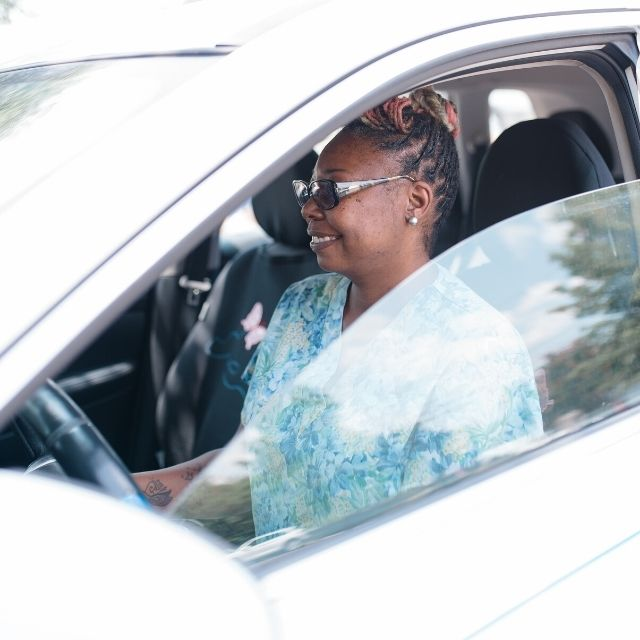 Mobile Phlebotomist driving to her next home patient